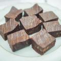 Čokoládové brownie s karamelizovanými vlašskými orechami
