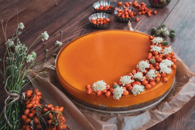 Vanilkový cheesecake s rakytníkovým pyré