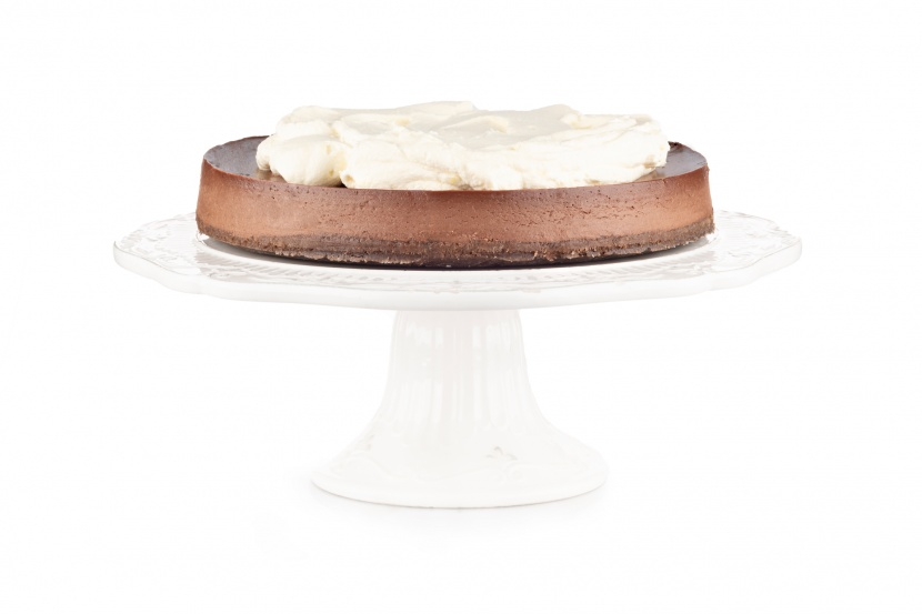 Čokoládový cheesecake s mousse z bielej čokolády